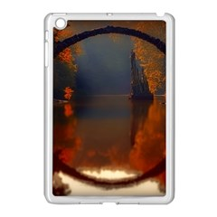 River Water Reflections Autumn Apple Ipad Mini Case (white)
