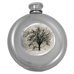 Snow Snowfall New Year S Day Round Hip Flask (5 Oz)