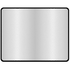 Monochrome Curve Line Pattern Wave Fleece Blanket (medium)