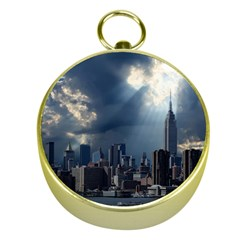 New York America New York Skyline Gold Compasses