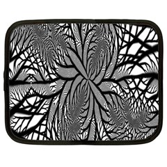 Fractal Symmetry Pattern Network Netbook Case (large)