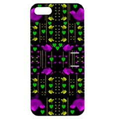 Pure Roses In The Rose Garden Of Love Apple Iphone 5 Hardshell Case With Stand