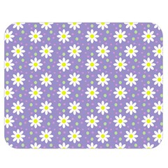 Daisy Dots Violet Double Sided Flano Blanket (medium)