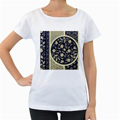 Background Vintage Japanese Women s Loose Fit T Shirt (white)