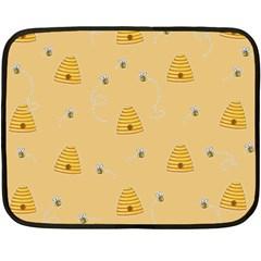 Bee Pattern Fleece Blanket (mini)