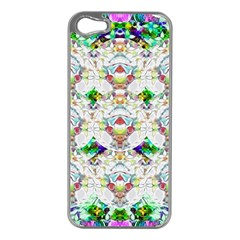 Nine Little Cartoon Dogs In The Green Grass Apple Iphone 5 Case (silver)
