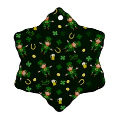 St Patricks Day Pattern Ornament (snowflake)