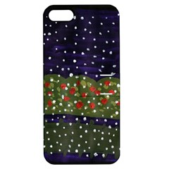 Snowy Roses Apple Iphone 5 Hardshell Case With Stand