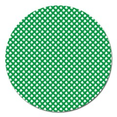 White Shamrocks On Green St  Patrick s Day Ireland Magnet 5  (round)