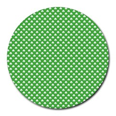 White Heart Shaped Clover On Green St  Patrick s Day Round Mousepads