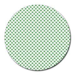 Green Heart Shaped Clover On White St  Patrick s Day Round Mousepads