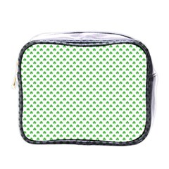 Green Heart Shaped Clover On White St  Patrick s Day Mini Toiletries Bags