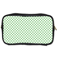 Green Heart Shaped Clover On White St  Patrick s Day Toiletries Bags