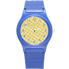 Houndstooth2 White Marble & Yellow Colored Pencil Round Plastic Sport Watch (s)