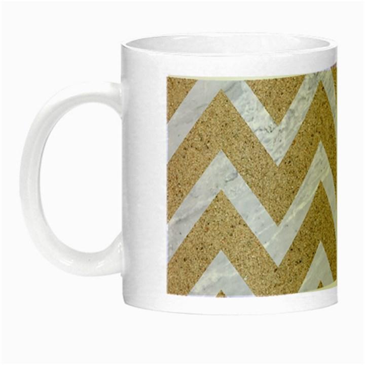 CHEVRON9 WHITE MARBLE & SAND Night Luminous Mugs