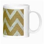 CHEVRON9 WHITE MARBLE & SAND Night Luminous Mugs Right