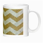 CHEVRON3 WHITE MARBLE & SAND Night Luminous Mugs Right