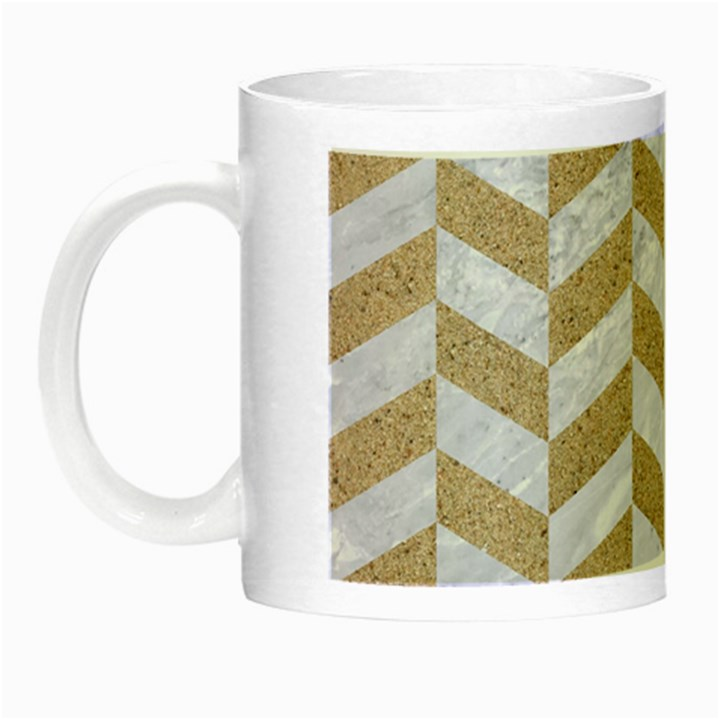 CHEVRON1 WHITE MARBLE & SAND Night Luminous Mugs