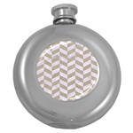 CHEVRON1 WHITE MARBLE & SAND Round Hip Flask (5 oz) Front