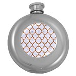 TILE1 WHITE MARBLE & RUSTED METAL (R) Round Hip Flask (5 oz) Front