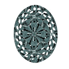 Modern Oriental Ornate Pattern Oval Filigree Ornament (two Sides)