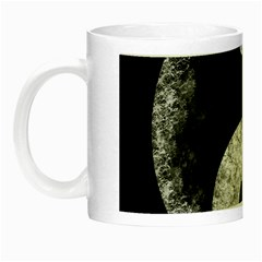 Grunge Yin Yang Night Luminous Mugs