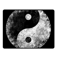 Grunge Yin Yang Fleece Blanket (small)