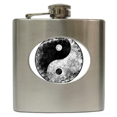 Grunge Yin Yang Hip Flask (6 Oz)
