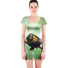 Beautiful Seaturtle With Bubbles Short Sleeve Bodycon Dresses
