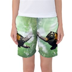 Beautiful Seaturtle With Bubbles Women s Basketball Shorts