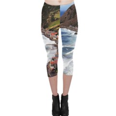 Scotland Crovie Capri Leggings by trendistuff
