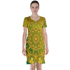 Yellow Green Abstract Wheel Of Fire Short Sleeve Nightdress