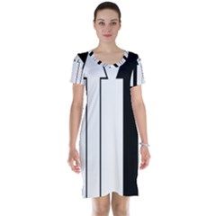 Funny Black and White Stripes Diamonds Arrows Short Sleeve Nightdress