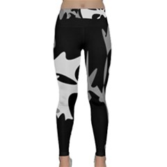 Black And White Amoeba Abstraction Yoga Leggings  by Valentinaart