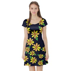 Daisy Flower Pattern For Summer Short Sleeve Skater Dress by BubbSnugg