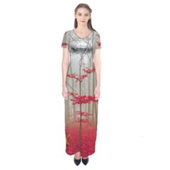 Magic forest in red and white Short Sleeve Maxi Dress