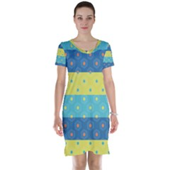 Hexagon And Stripes Pattern Short Sleeve Nightdress