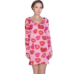 Valentine s Day Kisses Long Sleeve Nightdress by BubbSnugg