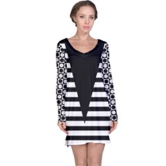 Black & White Stripes Big Triangle Long Sleeve Nightdress by EDDArt