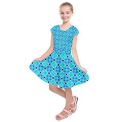 Vibrant Modern Abstract Lattice Aqua Blue Quilt Kids  Short Sleeve Dress by DianeClancy