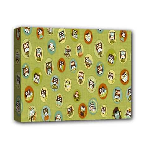 Owl Round Green Deluxe Canvas 14  X 11  by Jojostore
