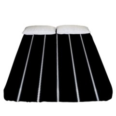 Black And White Lines Fitted Sheet (king Size)