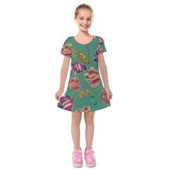 Flowers Pattern Kids  Short Sleeve Velvet Dress