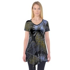Fractal Wallpaper With Blue Flowers Short Sleeve Tunic
