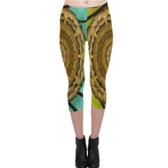 Kaleidoscope Dream Illusion Capri Leggings