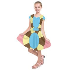 Garage Door Quilts Flower Line Kids  Short Sleeve Dress by Alisyart