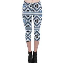 Folklore Capri Leggings
