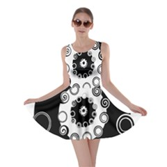 Fluctuation Hole Black White Circle Skater Dress