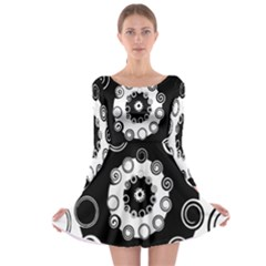 Fluctuation Hole Black White Circle Long Sleeve Skater Dress