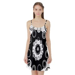 Fluctuation Hole Black White Circle Satin Night Slip